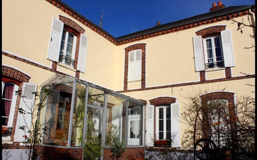 Maison de caractere du XVIII tout proche de Chartres