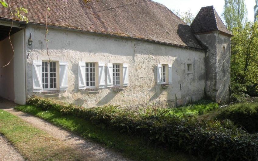 •Ferme fortifiée du  XVII entre Rambouillet et Chartres