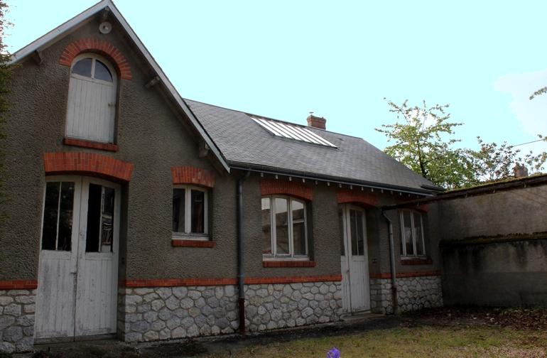 Maison de Maitre, avec dépendances et maison à louer
