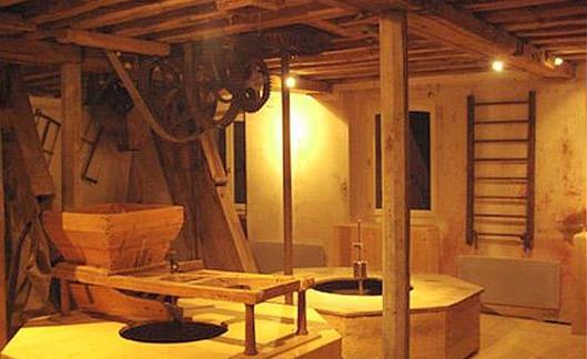 Moulin à eau et site de villégiature unique